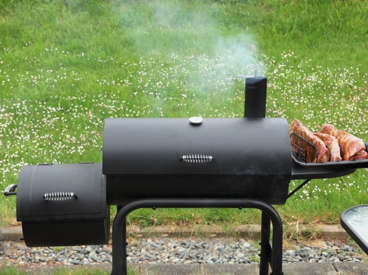 BBQ-Smoker  ©-pr2is-Fotolia.com