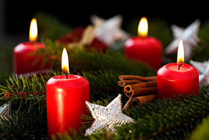 Kerzen für den Adventskranz. Foto: BeTa Artworks - Fotolia.com